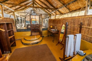 chongwe river camp bathroom