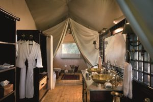 duba expedition camp botswana bathroom
