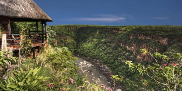 gorges loge vicfalls view