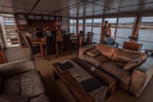 houseboat photographic safari chobe river internal living area
