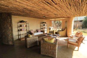 kavinga camp mana lounge area wide