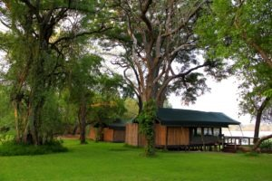 mutemwa lodge zambezi lawns