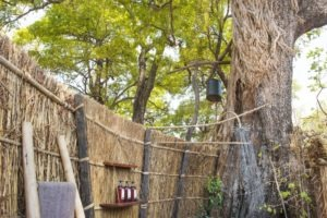 mwamba luangwa outdoor bathroom