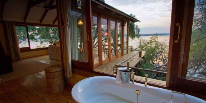 tongabezi lodge livingstone dog house bath