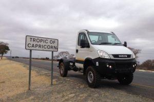 ThesinglecabpassingtheTropicofCapricornonitswaynorthtowardsMaunBotswana