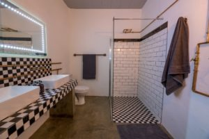 chobe pangolin hotel bathroom