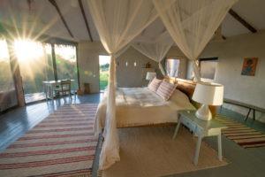 lamai serengeti bedroom sunrise 1