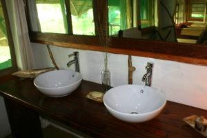 bakers lodge uganda sink