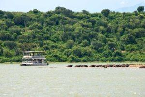kyambura gorge lodge uganda boat