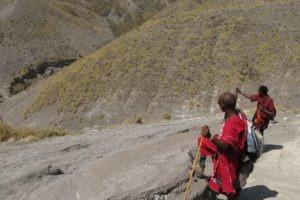 rift valley trekking tanzania masaai