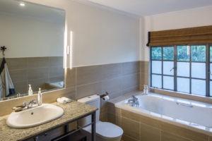 148 Studio bathroom