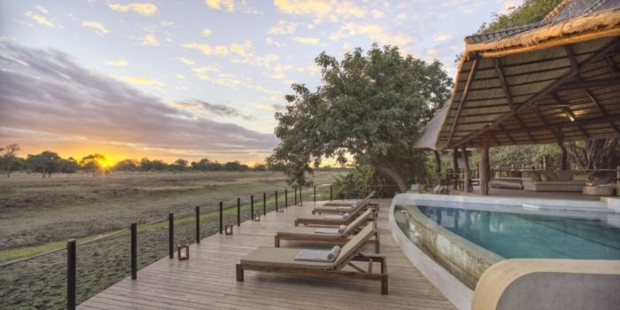 Lion Camp by Mantis Main deck with pool Kopie